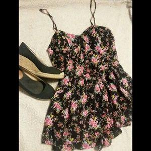 Forever 21 Dresses - 🌷Forever 21🌷Floral Cami Summer Romper